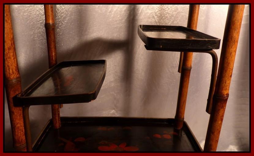 Japon xixe meuble en bambou plateaux de laque rouge or for Etagere japonaise
