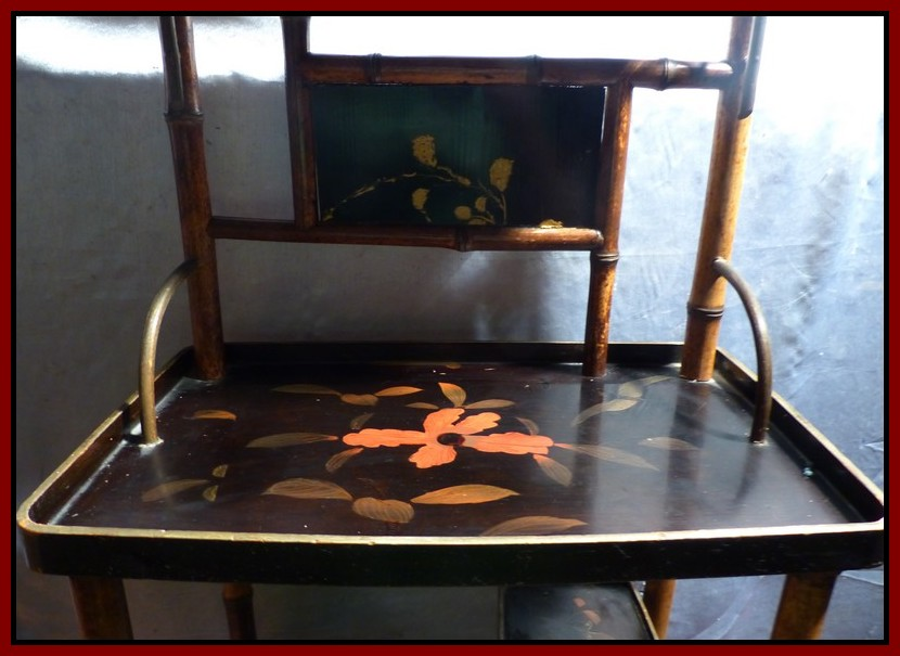 Japon xixe meuble en bambou plateaux de laque rouge or for Meubles du japon