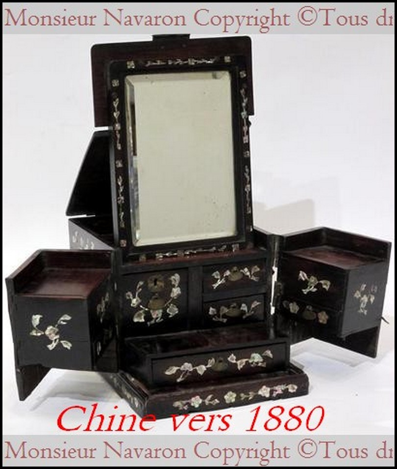Coffre bijoux chine ancienne xixe acajou nacre et miroir for Coffre a bijoux miroir