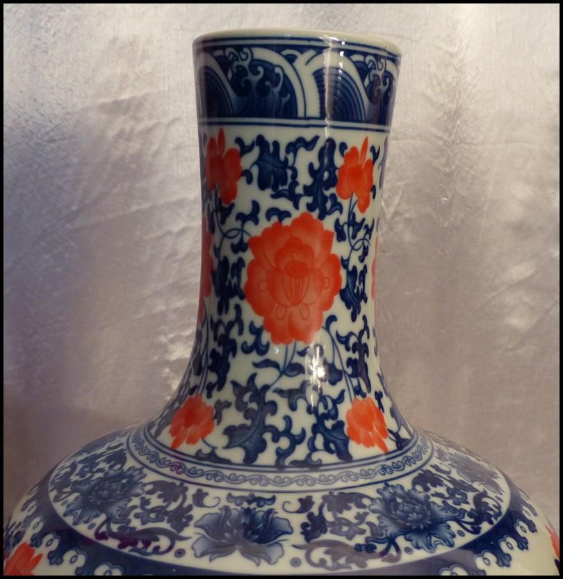 Porcelaine de chine blanc bleu fleurs de pivoine paire vases de chine 55x35 ebay for Porcelaine de chine